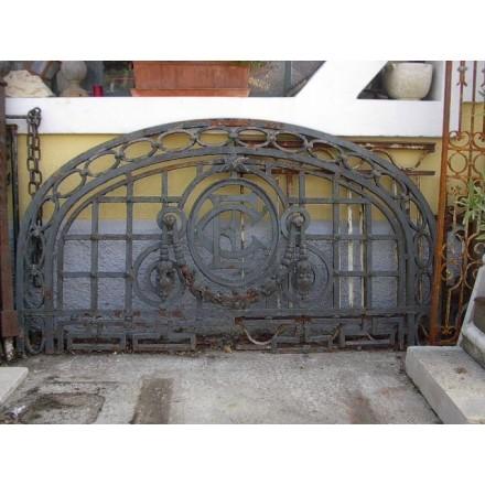 Imposte  de portail en fer forgé